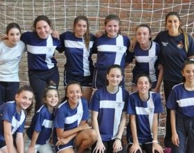 Plantel sub 13 de Handball campeón de la Liga Norte